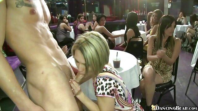پوست - پسر دانلودفیلم سکسی سوپر گام مبارک او را به آوا تیلور و نامادری لیزا آن پوند می دهد