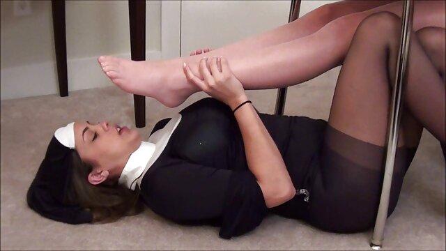 کوبیدن دانلودفیلم سوپردوجنسه مقعدی سخت برای یک دختر لاغر