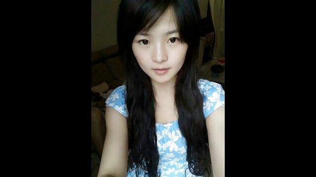 نوجوان جنگل ژاپنی ویبراتور دختر دانش آموز را دانلودفیلم سوپرزوری به اشتراک می گذارد